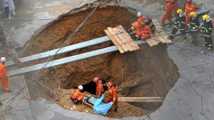 968250-five-killed-by-south-china-sinkhole